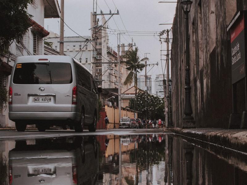 ダウン マニラ ロック 【新型コロナ】フィリピン、移動規制を月末まで継続。マニラをGCQに